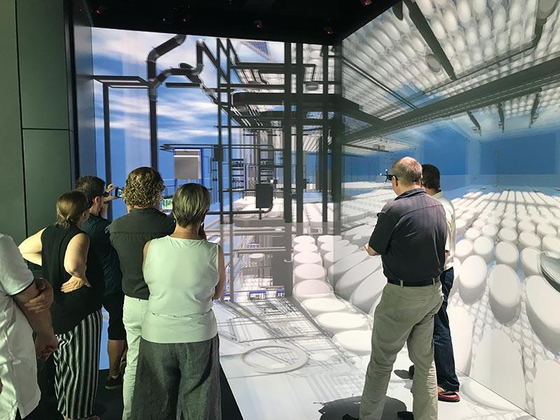 Wird BIM mit Virtual Reality verknüpft, kann der Bauherr sein Gebäude virtuell begehen und letzte Details mit den beteiligten Unternehmen klären. Bei diesem Projekt für die SOFiSTiK AG wurde beispielsweise die Haustechnik geprüft. Bild: WOLFF & MÜLLER