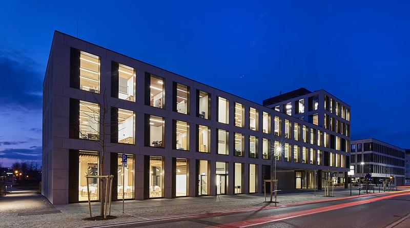 Das Bürogebäude der Hinterschwepfinger Projekt GmbH im Herzen des oberbayerischen Burghausen.